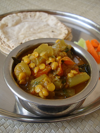 bottle-gourd-channa-dal-curry
