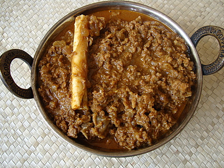 Kheema curry indian food recipes food and cooking blog we had a guest for lunch today he is extremely fond of kheema curry that i prepare and had requested for it this kheema curry that i am featuring today is forumfinder Images