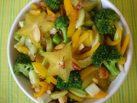 star-fruit-broccoli-capsicum-salad