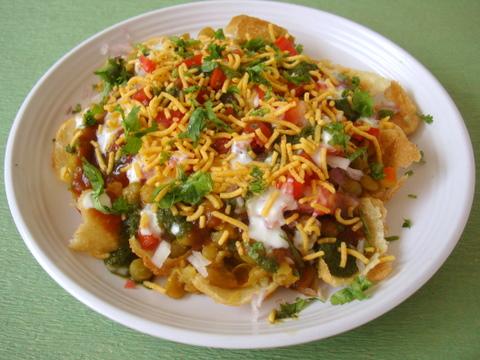 Masala Puri - Ragda Puri - How to make Masala Puri Chaat Recipe
