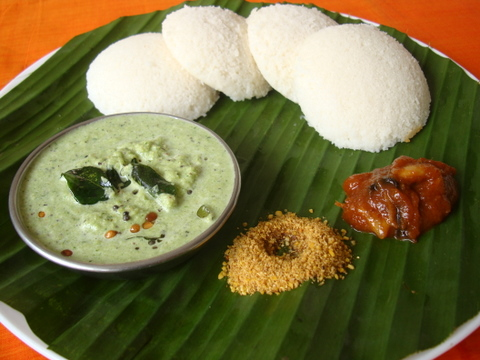 Mint Coconut Chutney for Idlis, Dosa and tiffins