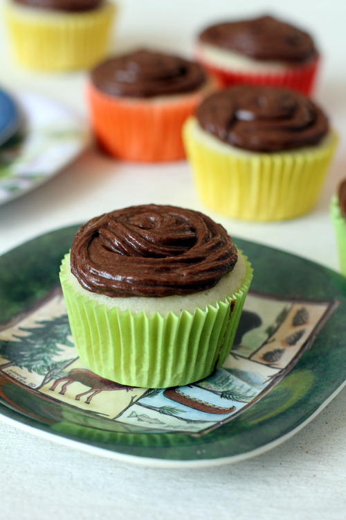 vanilla cupcakes nutella frosting