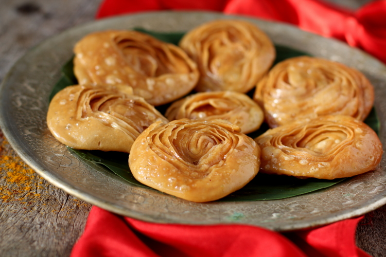 Chiroti recipe best indian sweets recipes diwali special sweet tips forumfinder Gallery