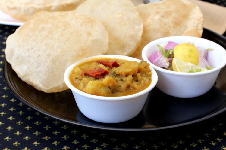 Aloo rasedar recipe north indian food uttar pradesh aloo recipes tips forumfinder Images