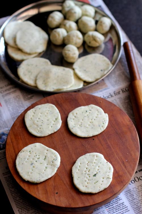 recipe of mathri