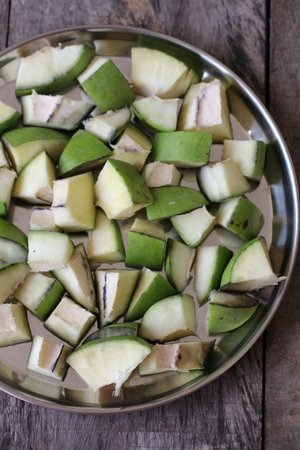 green mangoes for achar