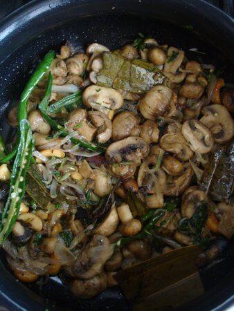 mushroom pulao step by step