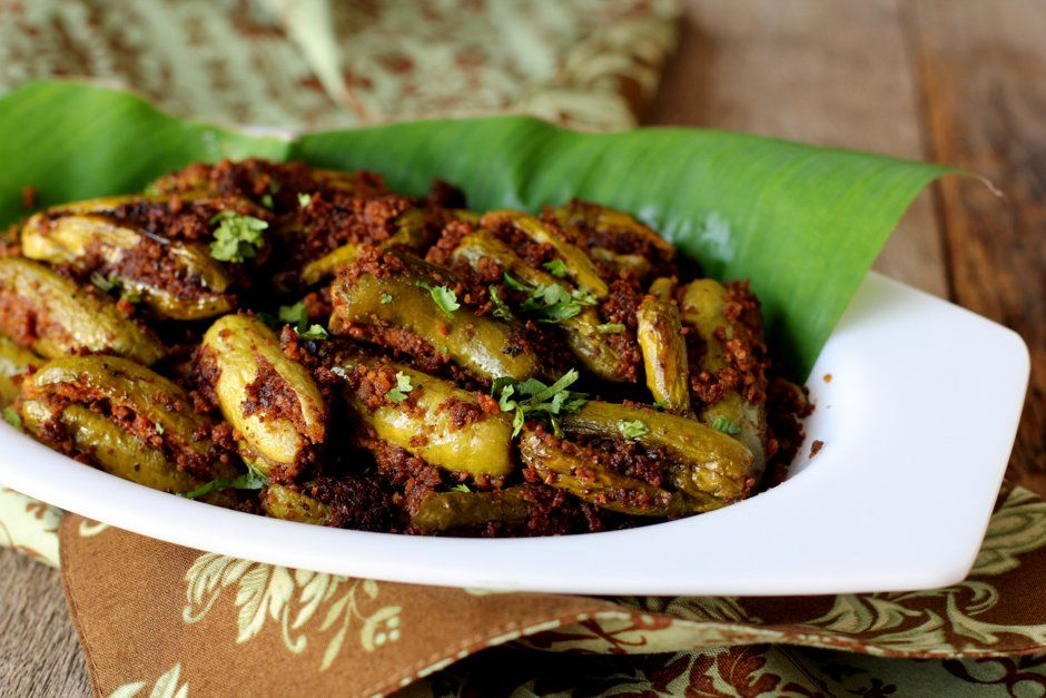 Andhra style tindora/ivy gourd stuffed dish to go with rice, roti or chapati