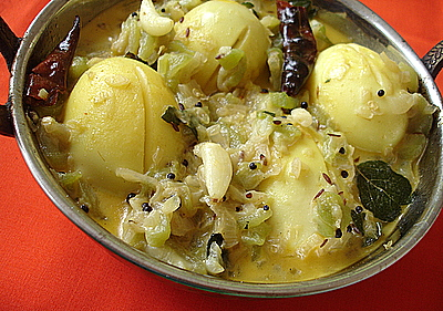 Kodi Guddu Beerakaaya Kura - Eggs cooked in ridgegourd and milk